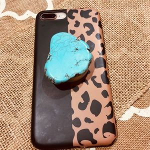 Turquoise pop sockets . So adorable!!